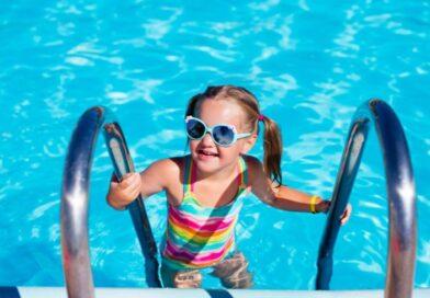 Jakie cechy mają zatyczki do uszu na basen?